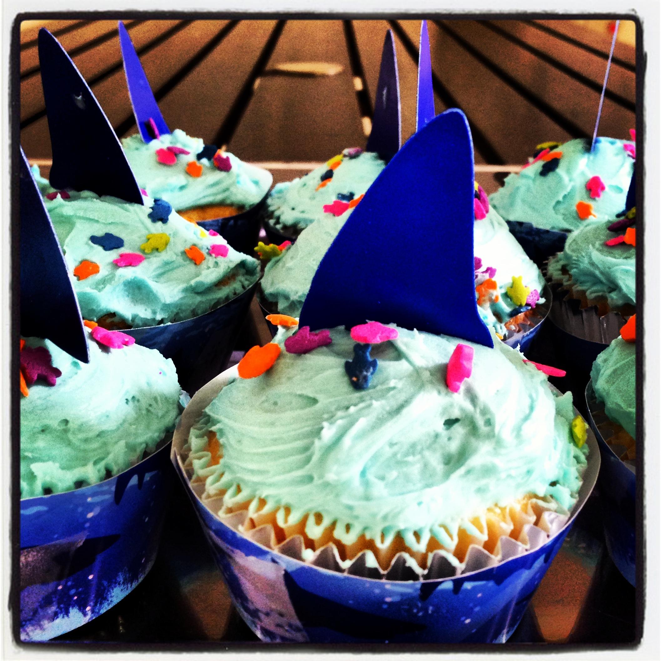 ¡Tiburón a la vista! / Buttercream cupcakes